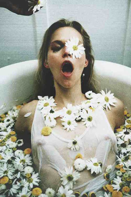 daisy bath